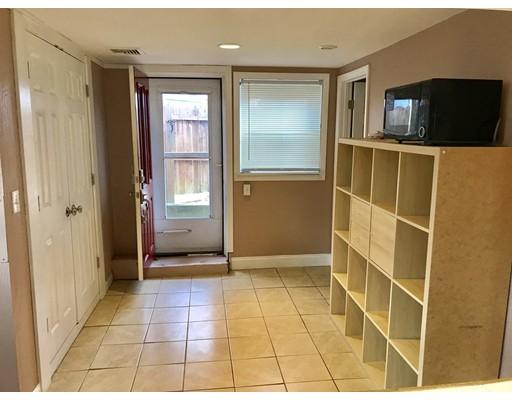 Casa Unifamiliar por un Alquiler en 599 Nantasket Avenue 599 Nantasket Avenue Hull, Massachusetts 02045 Estados Unidos