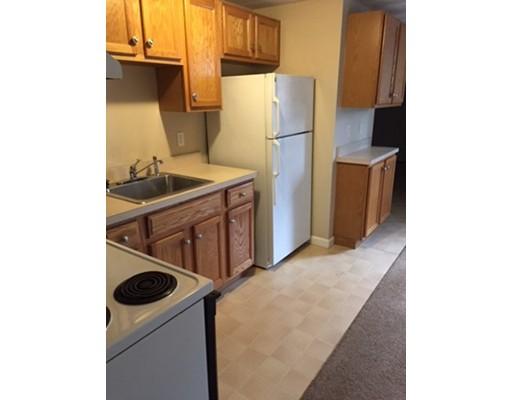 Casa Unifamiliar por un Alquiler en 80 Holten Street 80 Holten Street Danvers, Massachusetts 01923 Estados Unidos