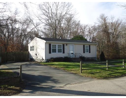 واحد منزل الأسرة للـ Sale في 15 McCormick Street 15 McCormick Street Dartmouth, Massachusetts 02747 United States