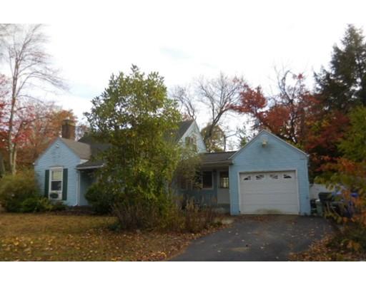 Casa Unifamiliar por un Venta en 75 Roanoke Road Springfield, Massachusetts 01118 Estados Unidos