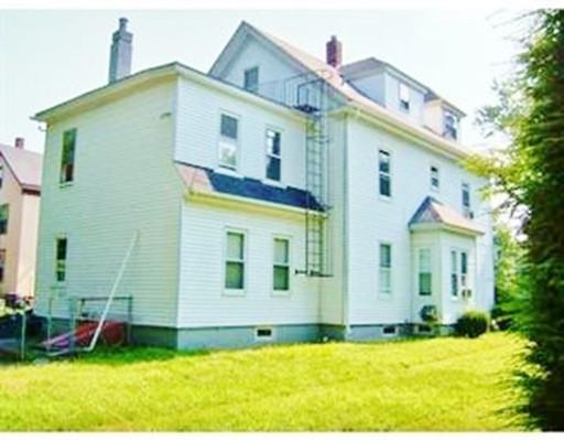 Maison avec plusieurs logements pour l Vente à 29 HAYES STREET 29 HAYES STREET Framingham, Massachusetts 01702 États-Unis