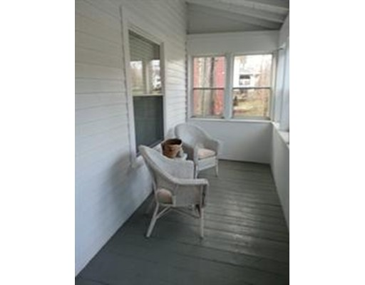 Квартира для того Аренда на 21 Phillips Rd #1st fl 21 Phillips Rd #1st fl Holden, Массачусетс 01520 Соединенные Штаты