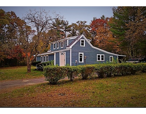 Single Family Home for Sale at 422 County Road 422 County Road Hanson, Massachusetts 02341 United States