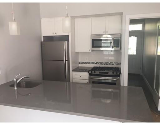 独户住宅 为 出租 在 44 Haverford 波士顿, 马萨诸塞州 02130 美国