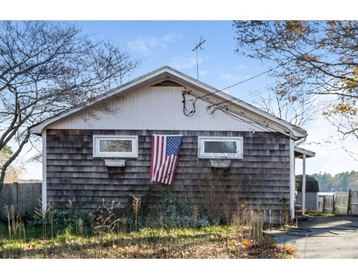 Single Family Home for Sale at 11 Jean Street 11 Jean Street Hanson, Massachusetts 02341 United States