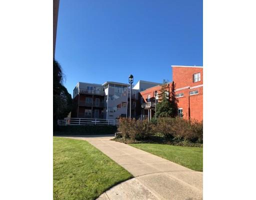 共管式独立产权公寓 为 销售 在 45 Main Street Wareham, 02571 美国