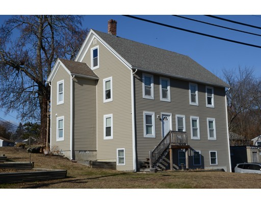 متعددة للعائلات الرئيسية للـ Sale في 4 Millbury Avenue 4 Millbury Avenue Millbury, Massachusetts 01527 United States