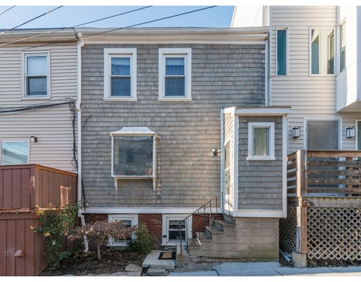 Maison unifamiliale pour l Vente à 8 Lovis Street 8 Lovis Street Boston, Massachusetts 02127 États-Unis