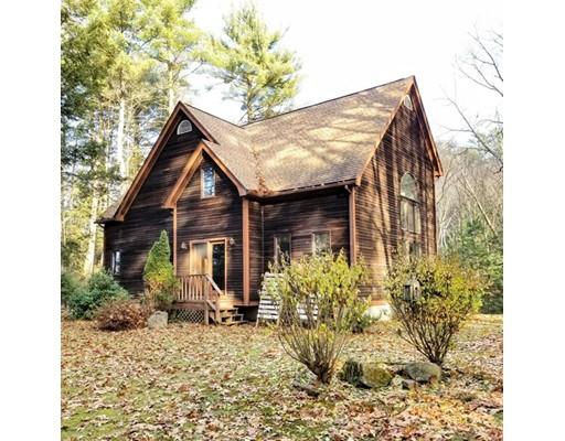 Maison unifamiliale pour l Vente à 10 Ledgewood Drive 10 Ledgewood Drive Sunderland, Massachusetts 01375 États-Unis