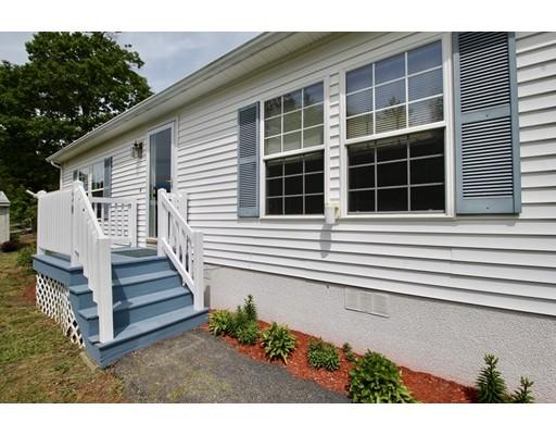 Maison unifamiliale pour l Vente à 30 Aspen Circle 30 Aspen Circle Rockland, Massachusetts 02370 États-Unis