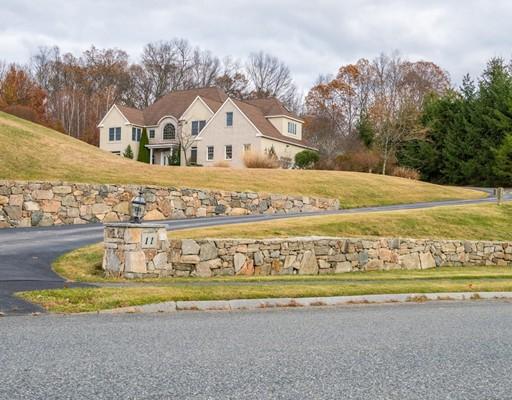 Single Family Home for Sale at 11 Arrowhead Lane 11 Arrowhead Lane Westborough, Massachusetts 01581 United States
