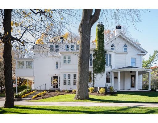 独户住宅 为 出租 在 83 Summer Street 83 Summer Street 欣厄姆, 马萨诸塞州 02043 美国