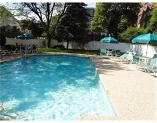 Appartement en copropriété pour l à louer à 20 Hammond Pond Pkwy #000 20 Hammond Pond Pkwy #000 Newton, Massachusetts 02467 États-Unis