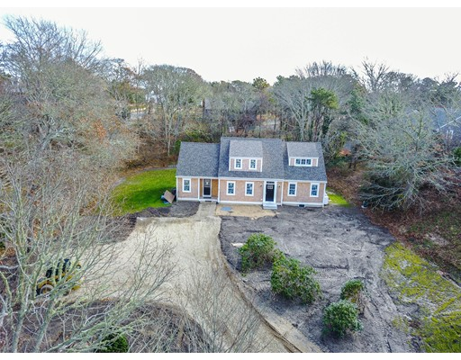 واحد منزل الأسرة للـ Sale في 33 Edgewood 33 Edgewood Chatham, Massachusetts 02633 United States