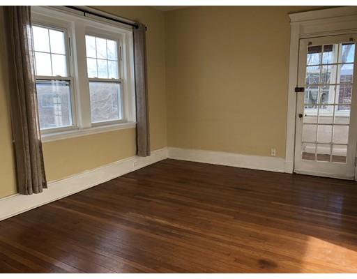 Casa Unifamiliar por un Alquiler en 17 Radcliff Road Boston, Massachusetts 02134 Estados Unidos