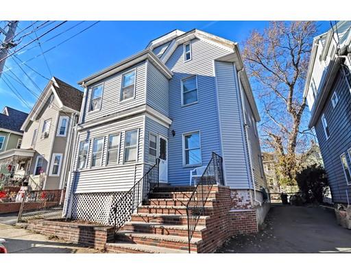 Maison unifamiliale pour l Vente à 122 Walnut Street 122 Walnut Street Everett, Massachusetts 02149 États-Unis