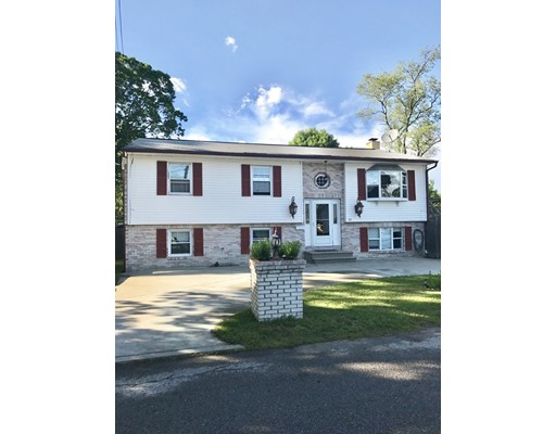 Single Family Home for Sale at 21 Beeckman Avenue 21 Beeckman Avenue Cranston, Rhode Island 02920 United States