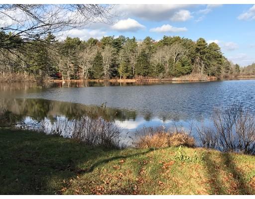 واحد منزل الأسرة للـ Sale في 32 Deerfield Road 32 Deerfield Road Dartmouth, Massachusetts 02747 United States