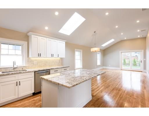 Villa per Vendita alle ore 11 Acacia 11 Acacia Boston, Massachusetts 02132 Stati Uniti