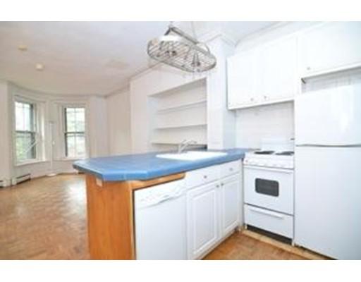 公寓 为 出租 在 3 St Charles St #5 3 St Charles St #5 波士顿, 马萨诸塞州 02118 美国
