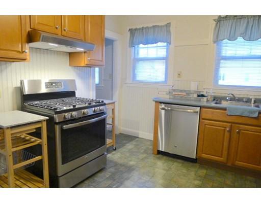 Casa Unifamiliar por un Alquiler en 221 Central Avenue Medford, Massachusetts 02155 Estados Unidos