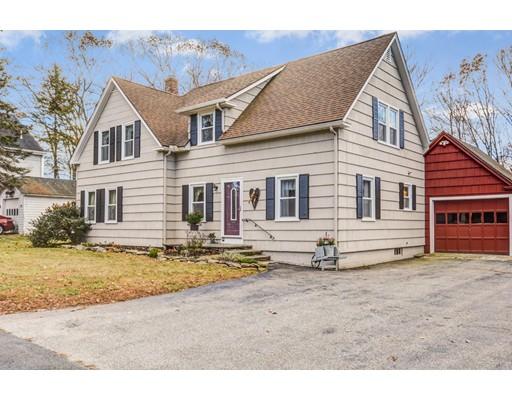 Single Family Home for Sale at 107 Singletary Avenue 107 Singletary Avenue Sutton, Massachusetts 01590 United States