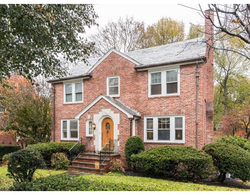 Villa per Vendita alle ore 144 Longwood Avenue 144 Longwood Avenue Brookline, Massachusetts 02446 Stati Uniti