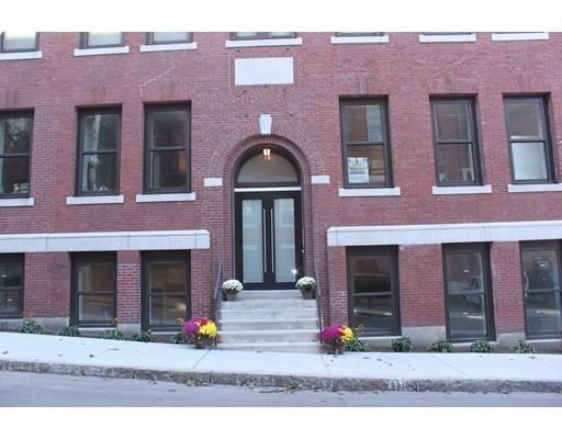 Condominio por un Alquiler en 10 Merrymount Rd #104 10 Merrymount Rd #104 Quincy, Massachusetts 02169 Estados Unidos