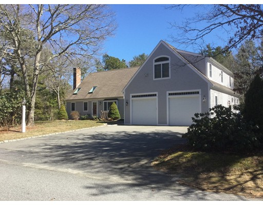 Single Family Home for Sale at 95 West Way Mashpee, 02649 United States