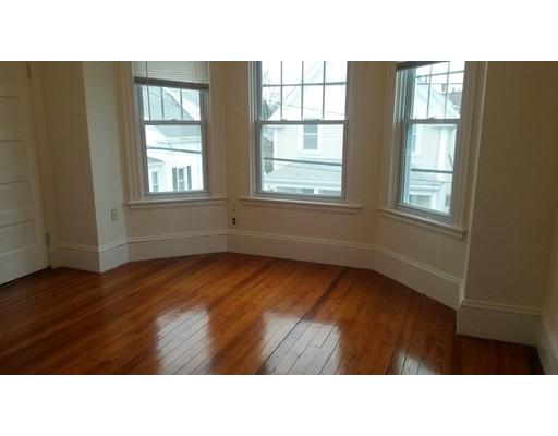 Apartamento por un Alquiler en 48 Babbitt St #2 48 Babbitt St #2 New Bedford, Massachusetts 02740 Estados Unidos