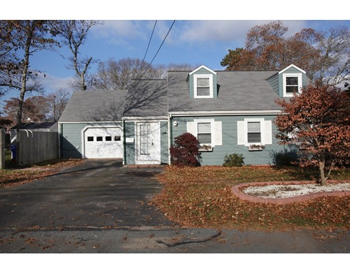 Casa Unifamiliar por un Venta en 7 Blueberry Road 7 Blueberry Road Bourne, Massachusetts 02532 Estados Unidos