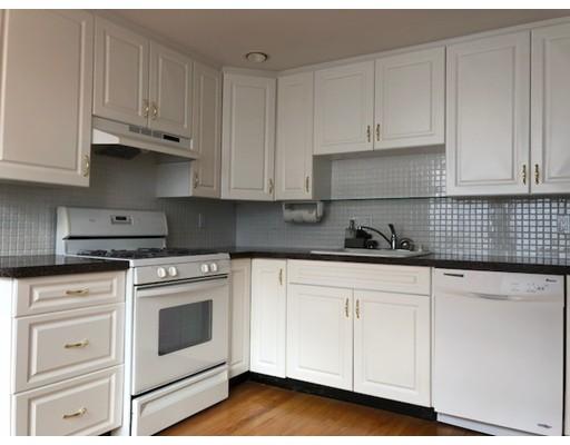 独户住宅 为 出租 在 41 Carroll Street 沃特敦, 02472 美国