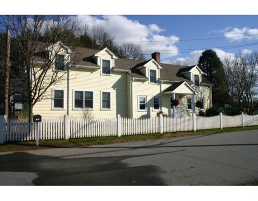 Casa unifamiliar adosada (Townhouse) por un Alquiler en 191 STONEBRIDGE ROAD #2 191 STONEBRIDGE ROAD #2 Wayland, Massachusetts 01778 Estados Unidos