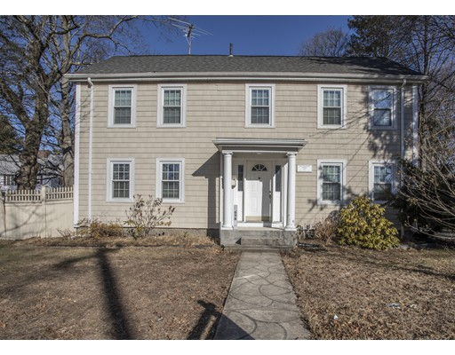 Single Family Home for Rent at 698 Salem Street 698 Salem Street Lynnfield, Massachusetts 01940 United States