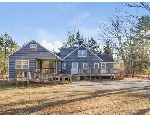 Single Family Home for Sale at 22 North Avenue 22 North Avenue Plaistow, New Hampshire 03865 United States
