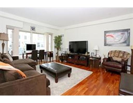 Частный односемейный дом для того Аренда на 100 Belvidere 100 Belvidere Boston, Массачусетс 02199 Соединенные Штаты