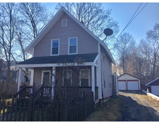 واحد منزل الأسرة للـ Sale في 10 Garfield Street 10 Garfield Street Greenfield, Massachusetts 01301 United States
