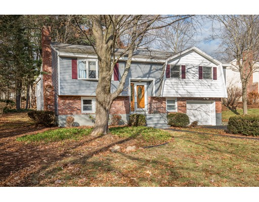 Single Family Home for Sale at 18 Freeport Drive 18 Freeport Drive Burlington, Massachusetts 01803 United States