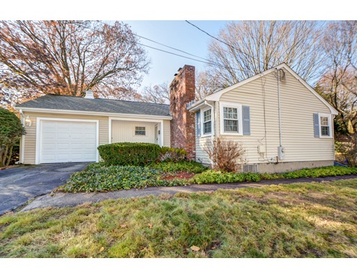 Picture 2 of 15 Avon Circle  Needham Ma 3 Bedroom Single Family