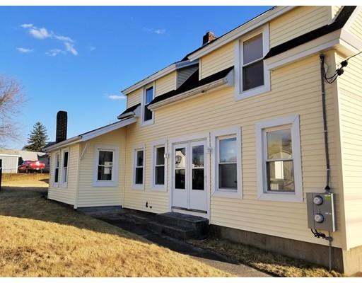 Maison avec plusieurs logements pour l Vente à 8 Hayward 8 Hayward Milford, Massachusetts 01757 États-Unis
