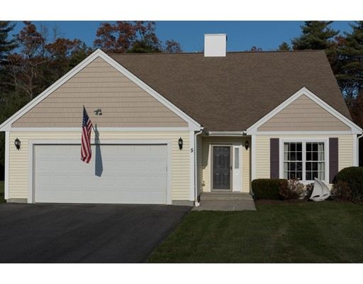 Single Family Home for Sale at 5 Clubhouse Circle Raynham, 02767 United States