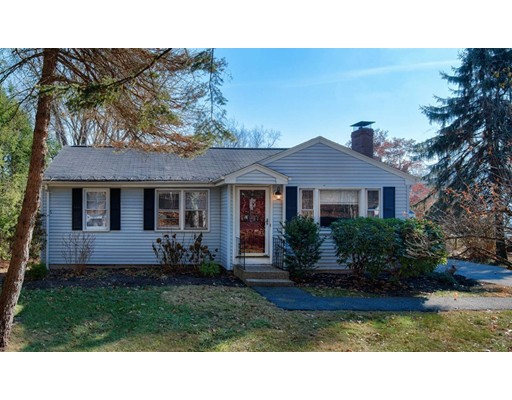 Casa Unifamiliar por un Venta en 6 Walnut Drive 6 Walnut Drive Southborough, Massachusetts 01745 Estados Unidos