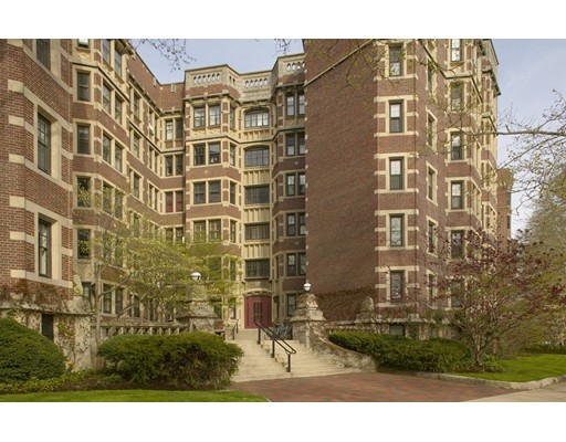 Condominio por un Venta en 993 Memorial Drive 993 Memorial Drive Cambridge, Massachusetts 02138 Estados Unidos