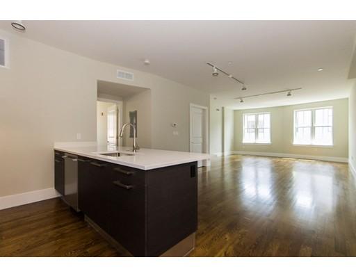 Casa Unifamiliar por un Alquiler en 10 St. George Street Boston, Massachusetts 02118 Estados Unidos