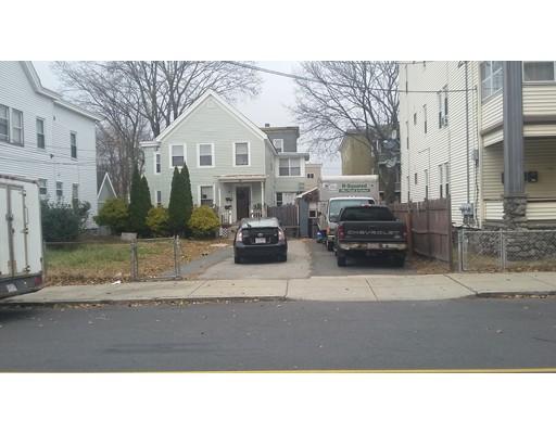 Maison avec plusieurs logements pour l Vente à 33 Groton Street 33 Groton Street Lawrence, Massachusetts 01843 États-Unis