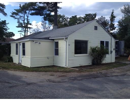 Casa Unifamiliar por un Alquiler en 46 Ocean Avenue 46 Ocean Avenue Halifax, Massachusetts 02338 Estados Unidos