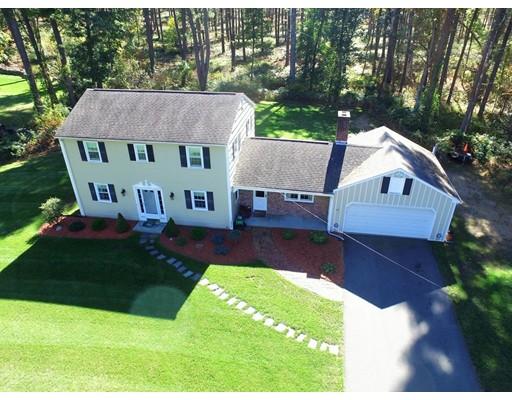 Maison unifamiliale pour l Vente à 42 Oakland Street 42 Oakland Street Wilbraham, Massachusetts 01095 États-Unis