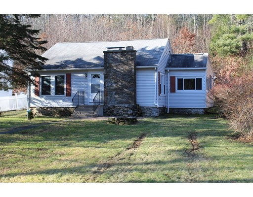 Single Family Home for Sale at 98 North Brookfield Road 98 North Brookfield Road Oakham, Massachusetts 01068 United States