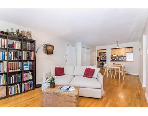 Appartement en copropriété pour l Vente à 22 Laurel Street 22 Laurel Street Somerville, Massachusetts 02143 États-Unis