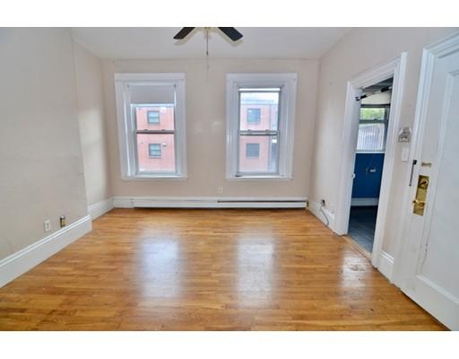 公寓 为 出租 在 18 Fayette St #4 18 Fayette St #4 波士顿, 马萨诸塞州 02116 美国